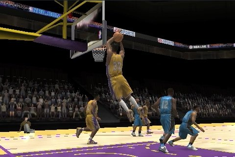 NBA Live 10 on iPhone