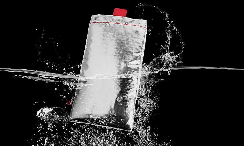 Phoozy-Protects-Your-Phone-with-Rocket-S